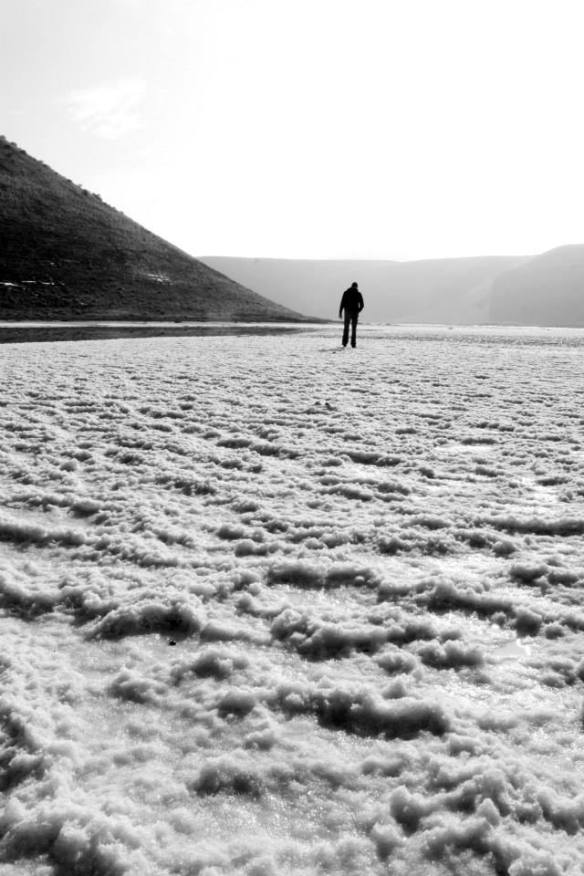 Lago salato Meke Golu alle pendici di un vulcano spento.